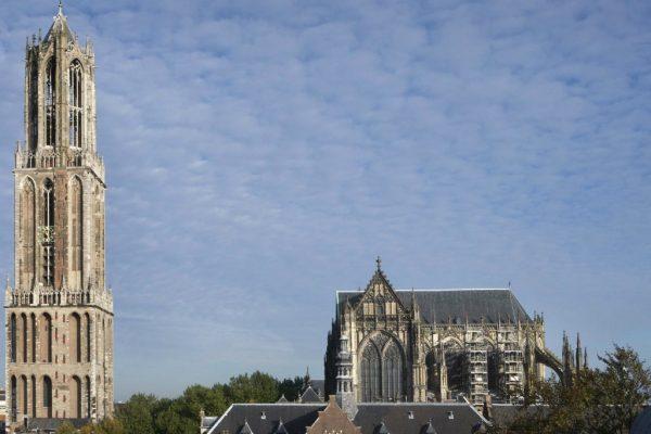 Utrechter Dom ohne Langschiff nach dem Orkan 1674